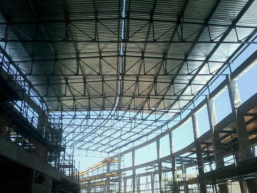 The striking metal roof of the new terminal building at the Kasane Airport in Botswana was announced as the Winner of the Metal Cladding Award at the SAISC Steel Awards 2017.