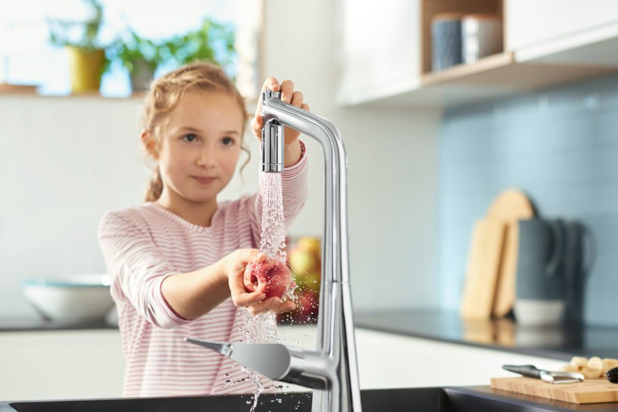 Hansgrohe has just launched a new range of state-of-the-art stainless steel and granite sinks, as well as their innovative range of kitchen mixers.