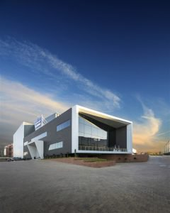 Storage King's new head office in Boundary Park Industrial Park not only attracts attention, but is also designed to create a sense of security and to convey what a facility such as this can offer users.