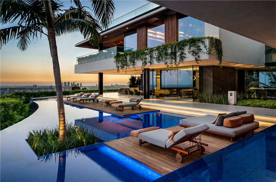 SAOTA has designed a home is on a 20 000 square foot estate, featuring 300-degree views over the LA skyline and the city basin below.