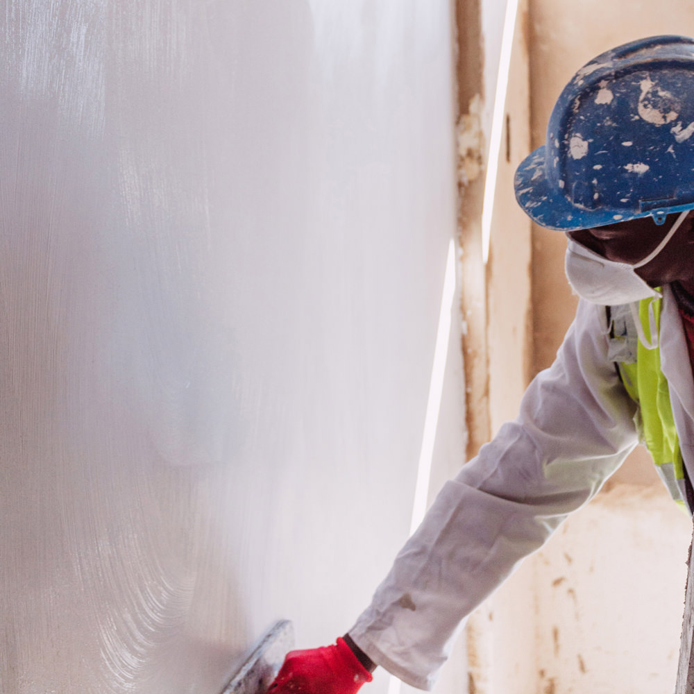 a.b.e. Construction Chemicals' duralite is a combined base coat and finishing plaster for internal surfaces that produces highly polished smooth, brush or textured finishes.